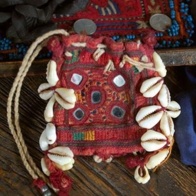 cowrieshell purse