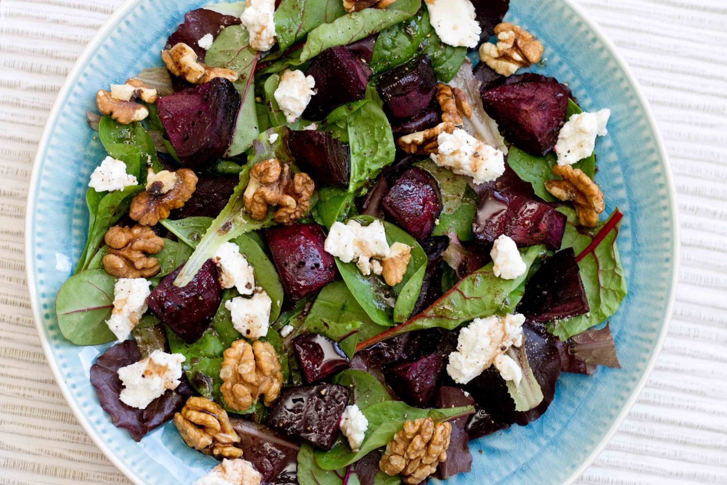 Everything_soulful_Beet-goats-cheese-and-walnut-salad_2